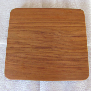 Heart_Rimu_Cutting_Board